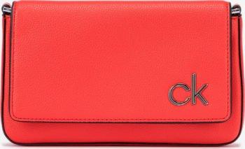Calvin Klein červená crossbody kabelka Ew Flap